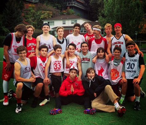 Ultimate frisbee club: State or bust
