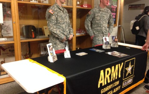 Military Reps Give Info to Students