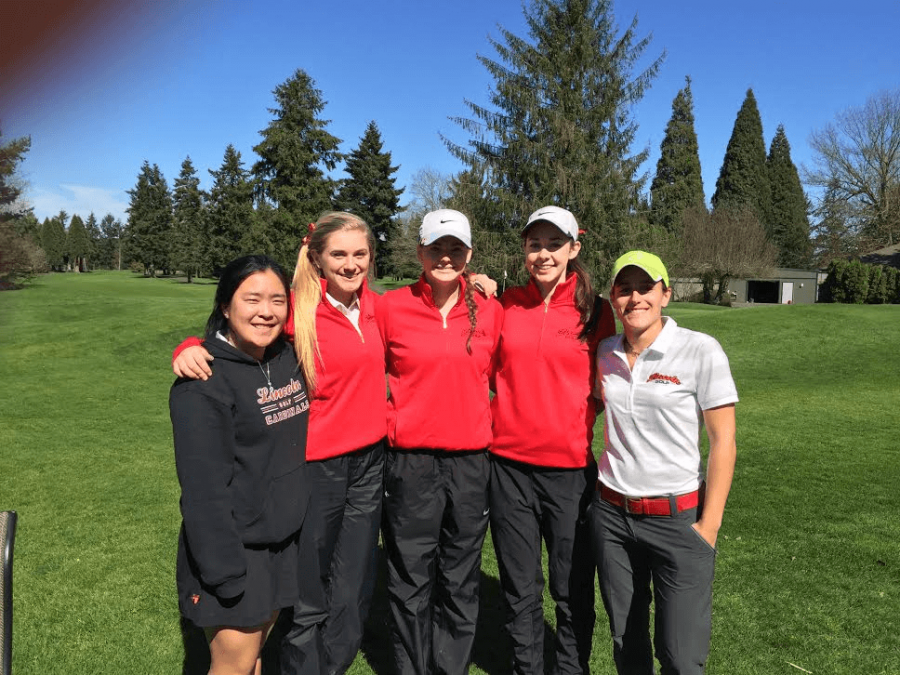 The+girls+golf+team+%28from+left%29%3A+Katie+Lee%2C+Hailey+Marlton%2C+Morgan+Sloan%2C+Sara+Stember%2C+Chiara+Gavazzi%29+relaxes+after+an+invitational+at+Riverside.