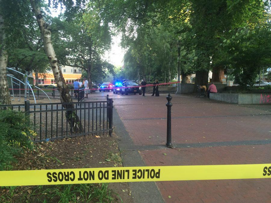 Portland+Police+investigate+a+stabbing+at+Couch+Park+on+Aug+26.