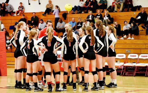 Volleyball wins PIL, falls short in playoffs