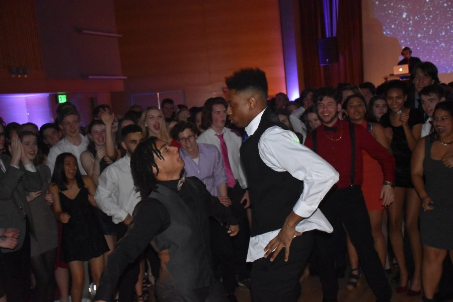 Students+dance+at+the+Winter+Formal+Jan.+27.