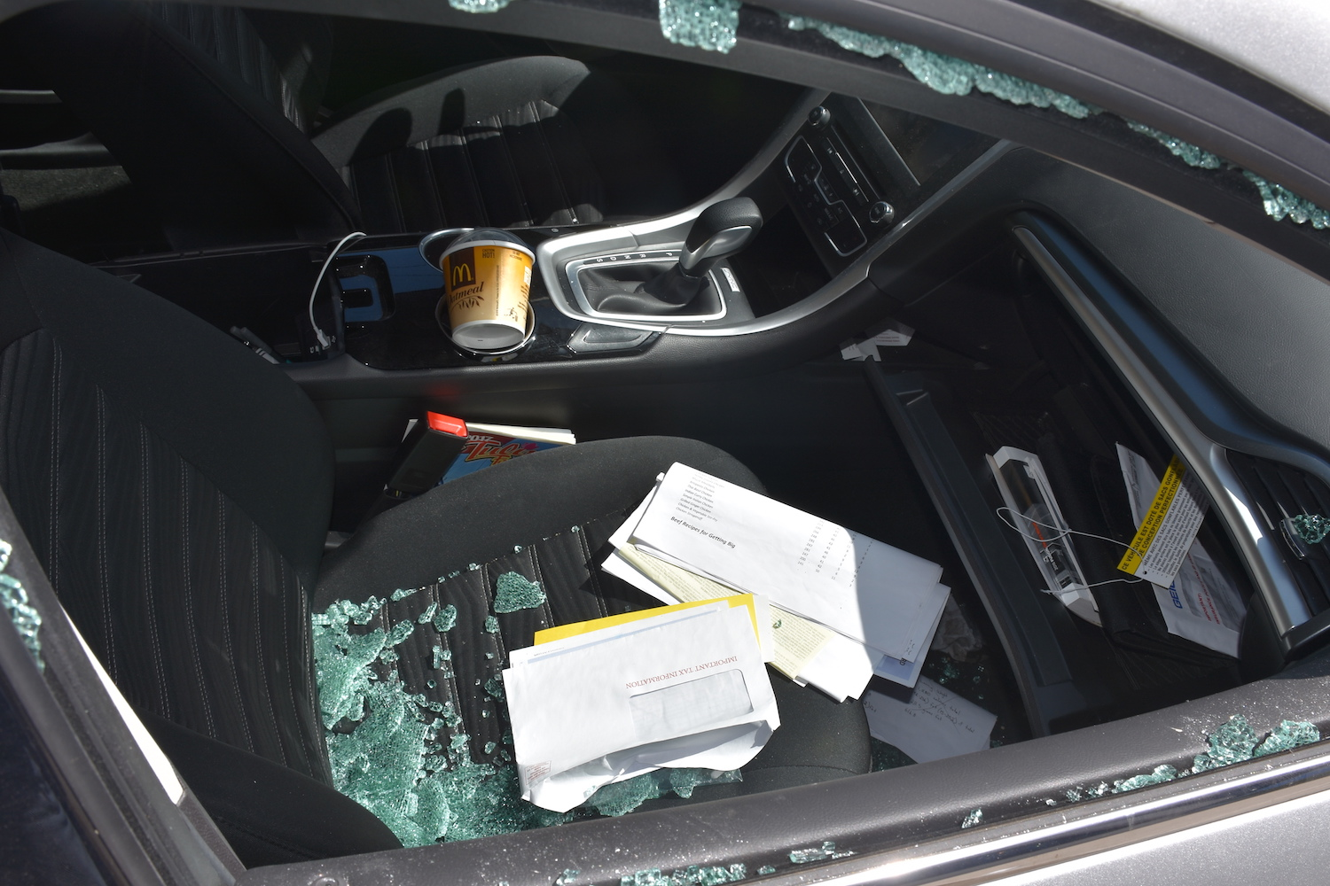Several+cars+were+broken+into+outside+Lincoln+on+May+8.