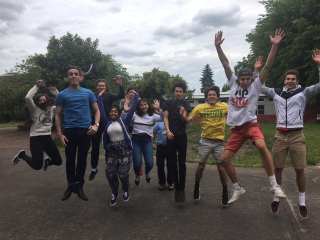CT+staff+celebrates+summer.