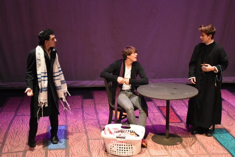 A+scene+from+Lincoln+drama%E2%80%99s+spring+play+last+year%2C+%E2%80%9CDurang+Durang.%E2%80%9D