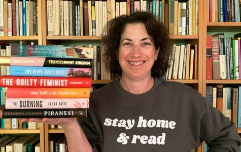 Caption: Lincoln librarian Lori Lieberman is continuing to help students find books during online school. She is also teaching a new elective called Reading Seminar.